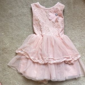 Other - Pale pink frilly dress